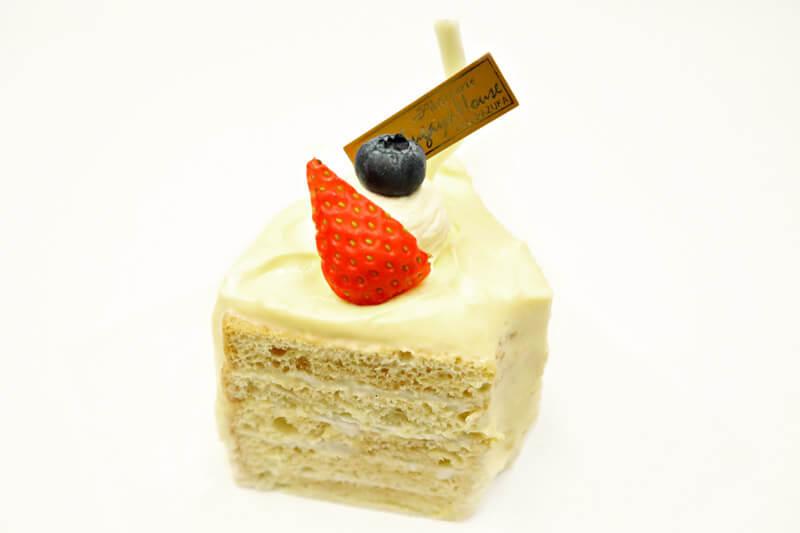 メイプルのふわふわシフォンケーキ